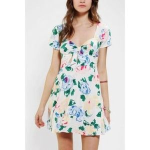 Reformed by Reformation x UO   Floral Dress